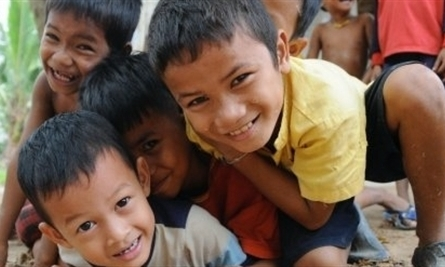 Nutrition-based volunteering for children in Cambodia