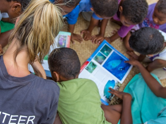 Vinaka Fiji - Children & School Project